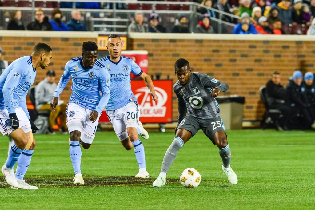 Sep 29, 2018; Minneapolis, MN, USA; Minnesota United forward Darwin Quintero (25) controls the ball against the New York City during the first half at TCF Bank Stadium. Mandatory Credit: Jeffrey Becker-USA TODAY Sports